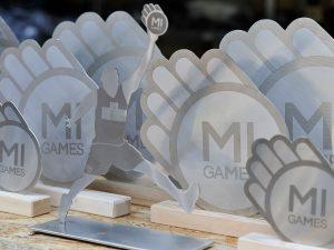 Trofei coordinati per evento sportivo Mi Games in acciaio inox