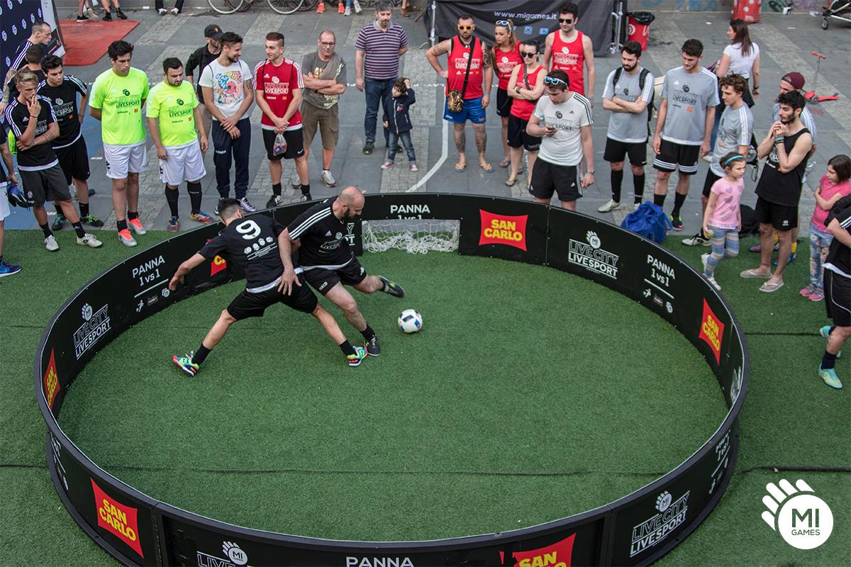 Gabbia panna calcio 1 contro 1 in Piazza Arbarello, Torino