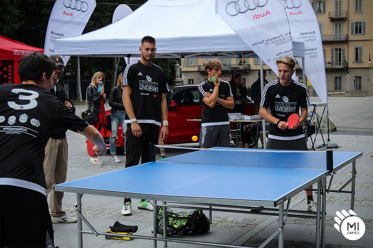 Noleggio tavolo da ping pong standard