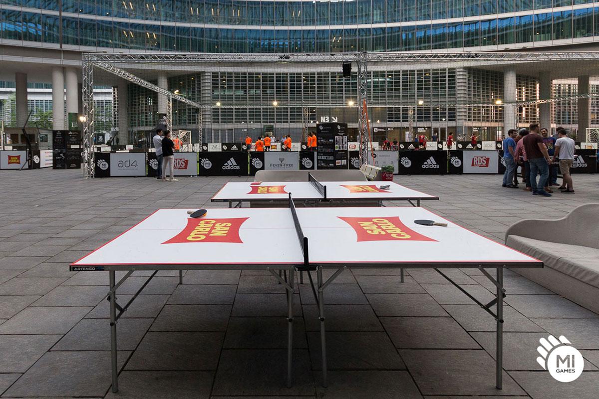 Tavolo da ping pong brandizzato per sponsor