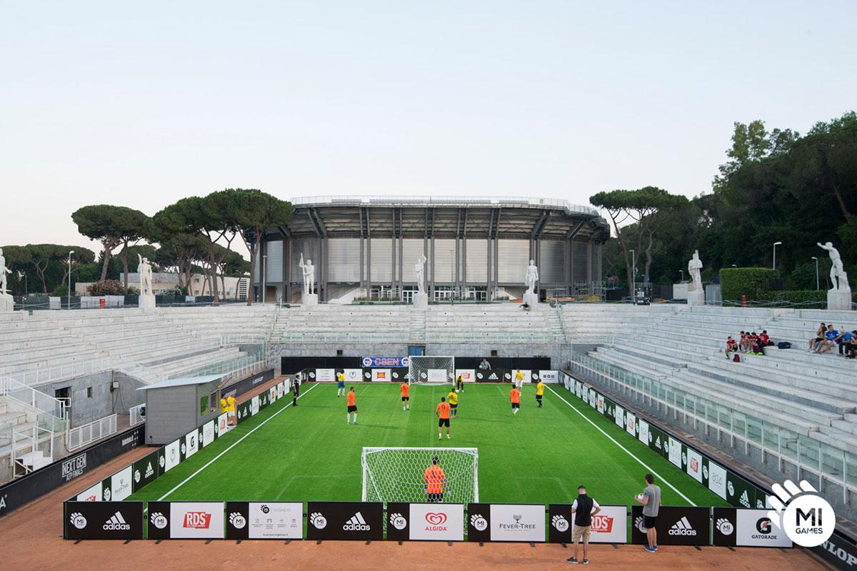 Installazione campo da calcetto nello Stadio Pietrangeli, Foro Italico Roma